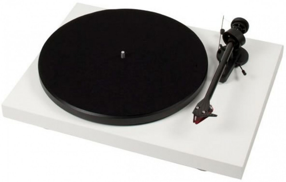 Pro-Ject Debut-Carbon DC with 2M-Red